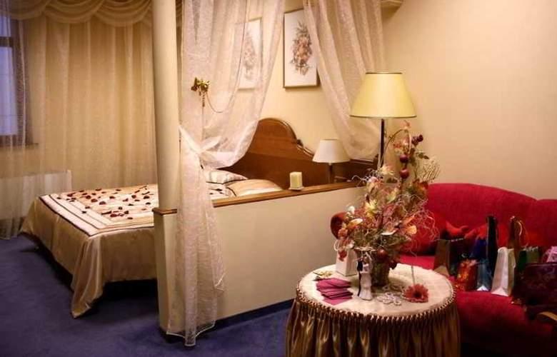 Trans Hotel - Room - 13