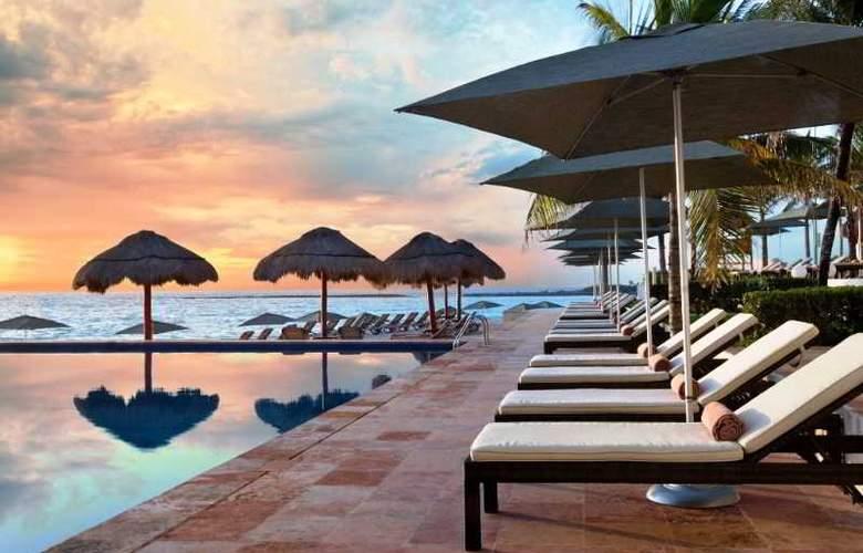 The Westin Resort & Spa Cancun - Terrace - 60