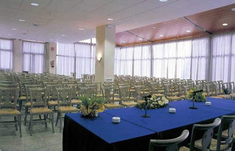 Principal - Conference - 31