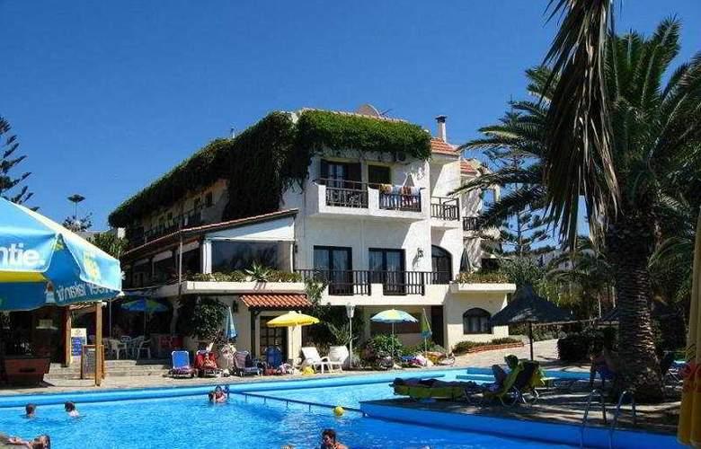 Oasis Hotel - Pool - 5