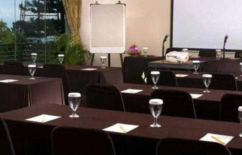 Gumilang Sari - Conference - 5