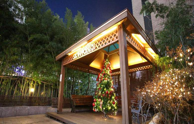 Sky Park Myeongdong 2 - Terrace - 18