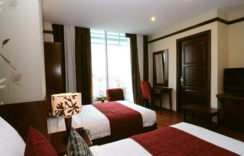 Asian Ruby Park View - Room - 8
