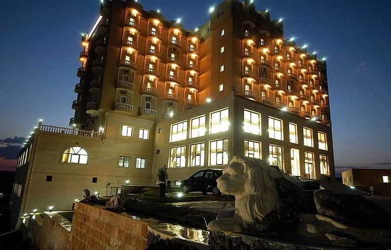 Yay Grand Hotel - Hotel - 0