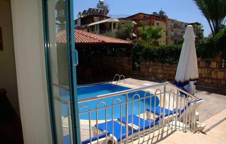 Elit Garden Apart Hotel - Pool - 2