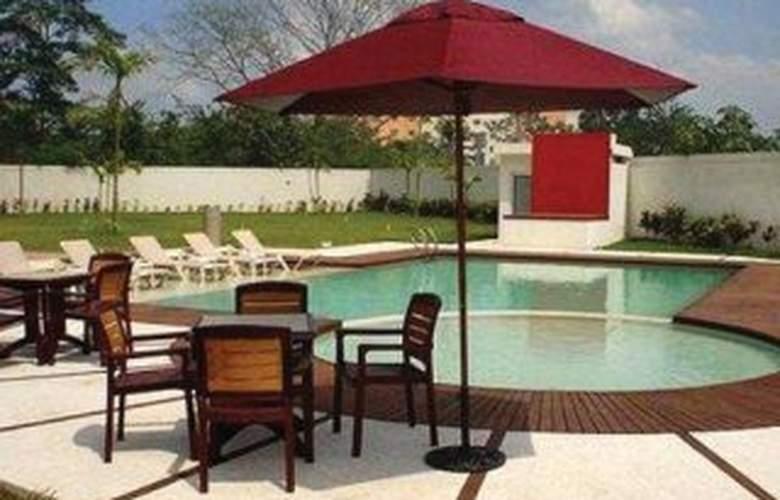 Holiday Inn Express Villahermosa - Pool - 6