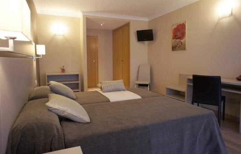 Cosmos Hotel - Room - 12