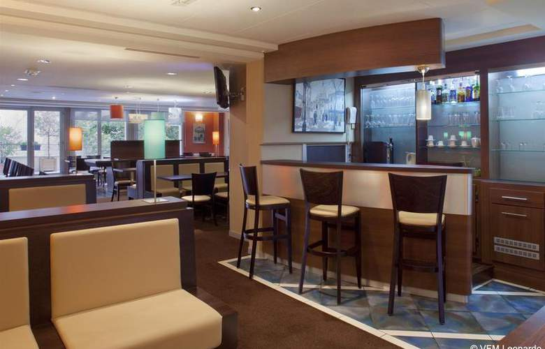 Holiday Inn Paris Montmartre - Bar - 3
