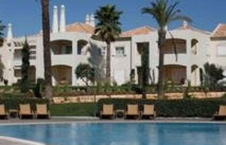 Vale d'Oliveiras Quinta Resort SPA - Pool - 8