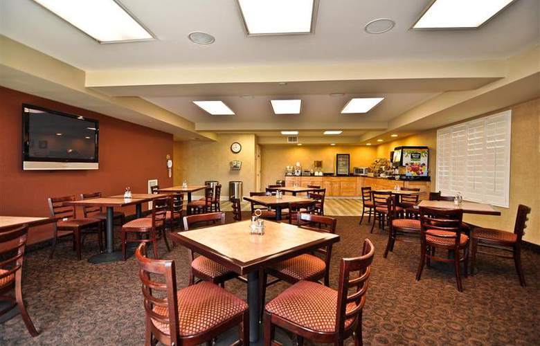 Best Western Plus Anaheim Orange County - Restaurant - 57