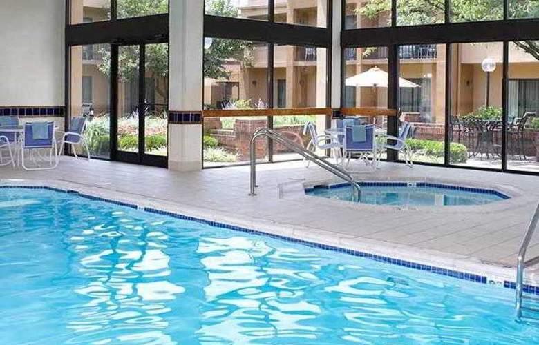 Courtyard Cincinnati Blue Ash - Hotel - 15