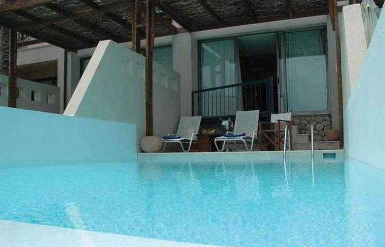 Ionian Blue - Pool - 4