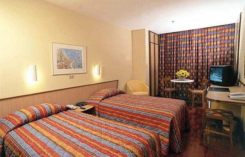 Windsor Plaza - Room - 3