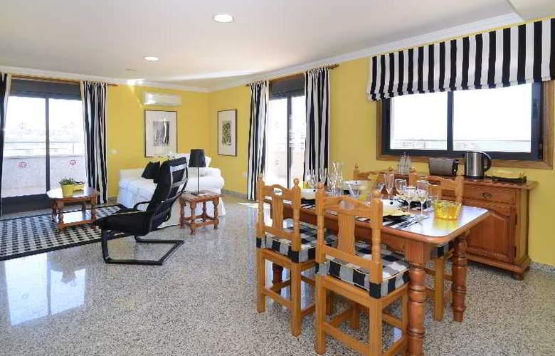 Apartamentos Nuria Sol - Room - 14