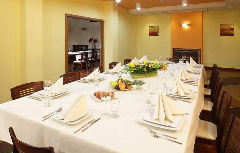 Ascot - Restaurant - 25