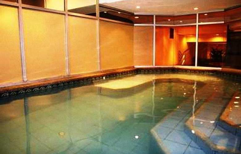 Hampton Inn By Hilton Guayaquil Downtown - Pool - 1