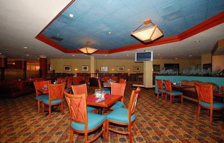 Crowne Plaza Hotel Austin - Restaurant - 4