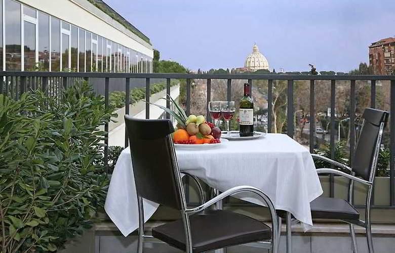 Cardinal Roma St Peter - Terrace - 10