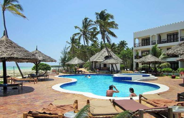 Reef & Beach Resort - Pool - 12