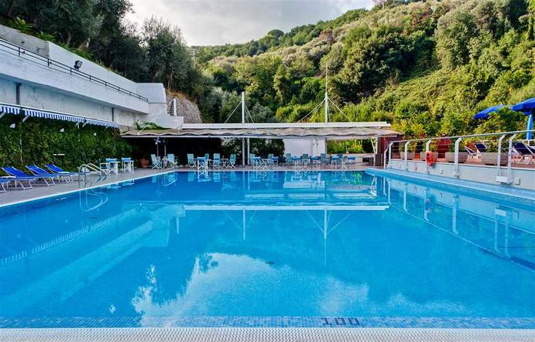Best Western La Solara Sorrento - Pool - 30