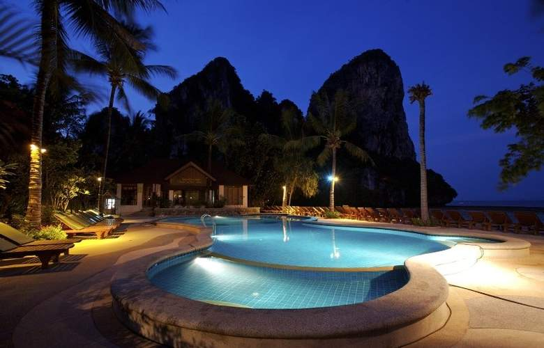 Railay Bay Resort and Spa - Pool - 11