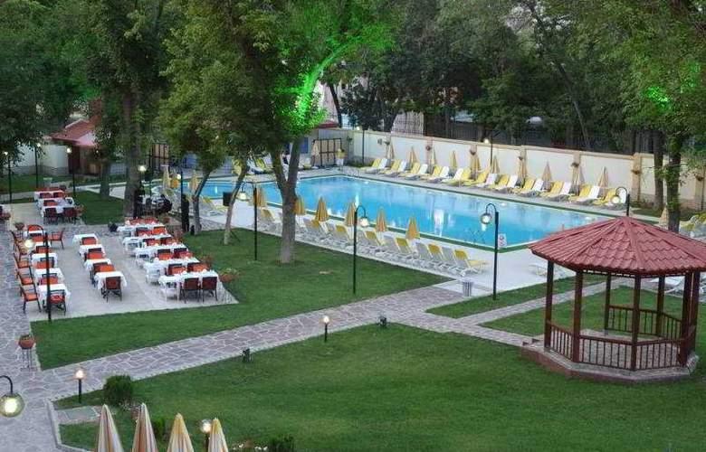 Radisson, Tashkent - Pool - 5