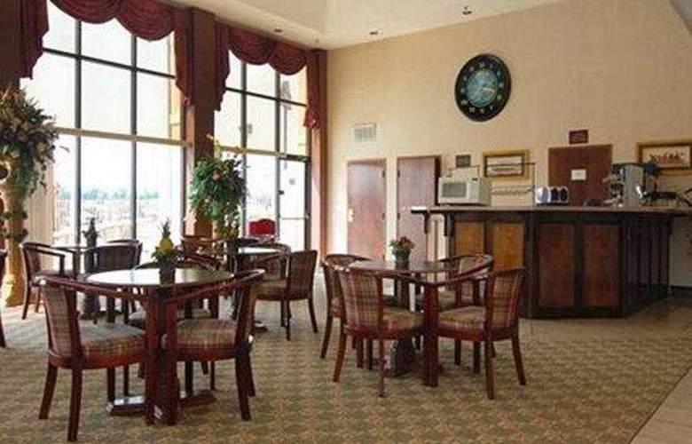 Comfort Inn Montgomery - Bar - 5