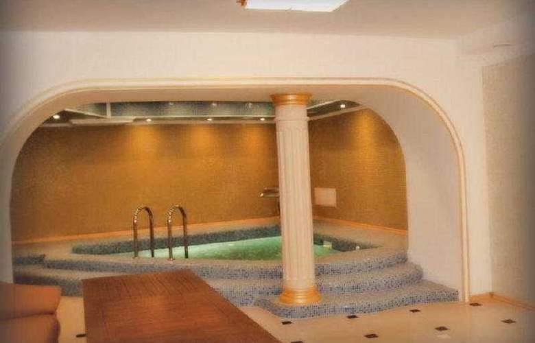 Soborniy Hotel - Sport - 3