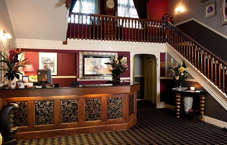 Hallmark Inn Chester - General - 1