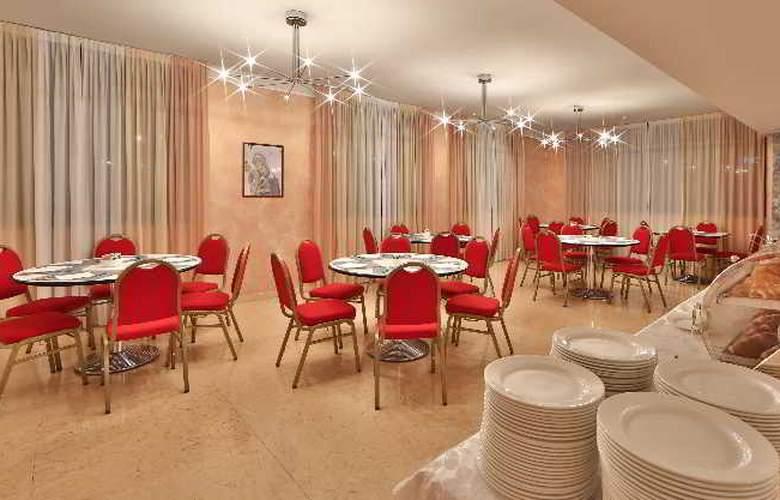 Best Western Cavalieri della Corona - Restaurant - 44