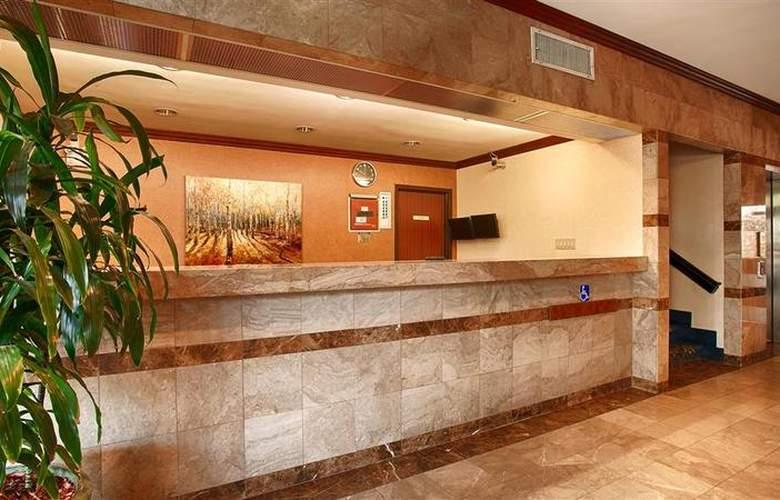 Best Western Los Angeles Worldport Hotel - Room - 11