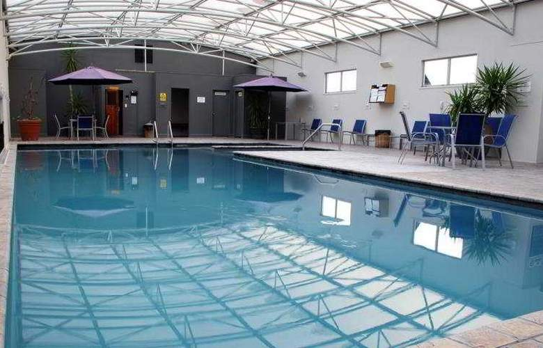 Rydges Rotorua - Pool - 5