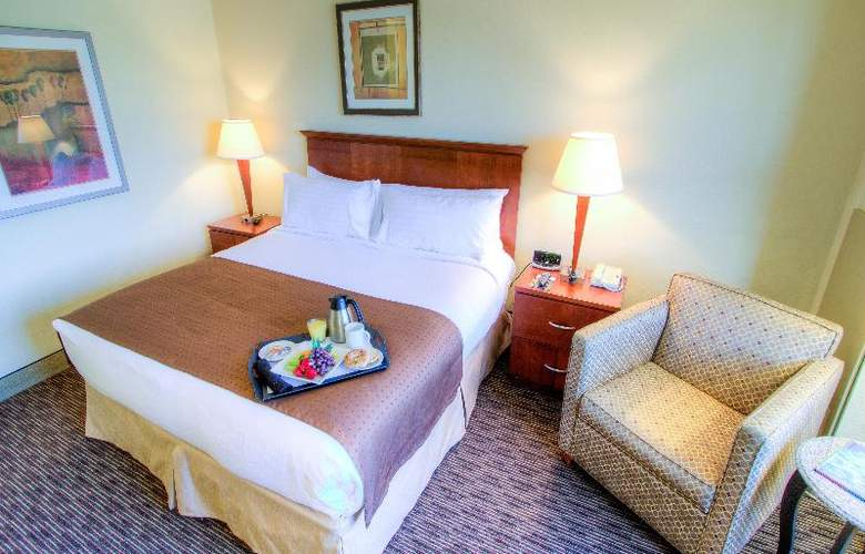 Holiday Inn Tampa Westshore - Airport Area - Room - 10