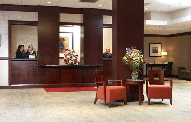 Staten Island Hotel - General - 1