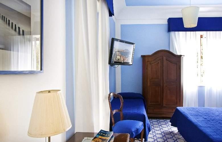 Hotel Mignon - Room - 1