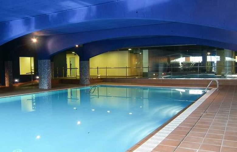 El Montanya Resort & Spa - Pool - 5