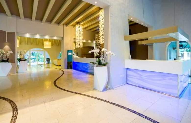 Forte Village Resort-Le Palme - Hotel - 0