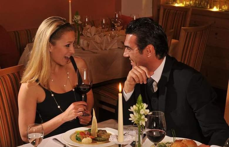 Best Western Hotel Goldener Adler - Restaurant - 69