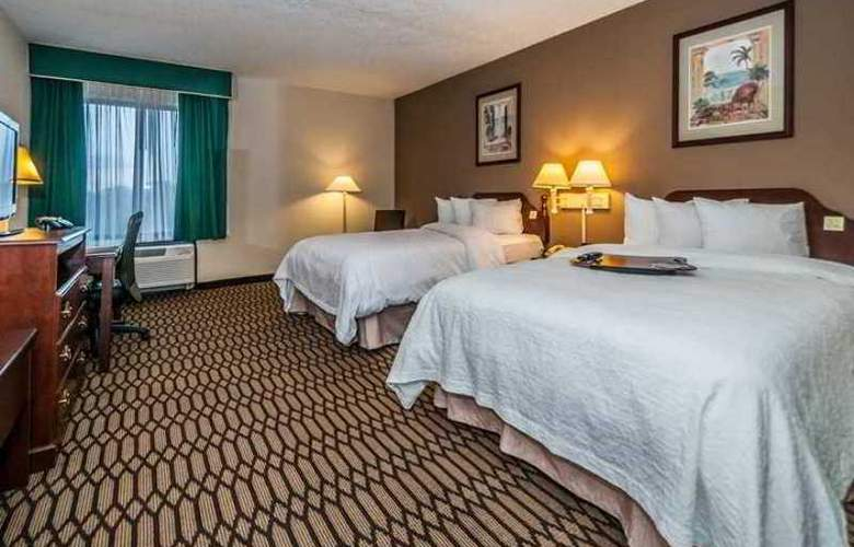Hampton Inn St. Petersburg - Hotel - 2