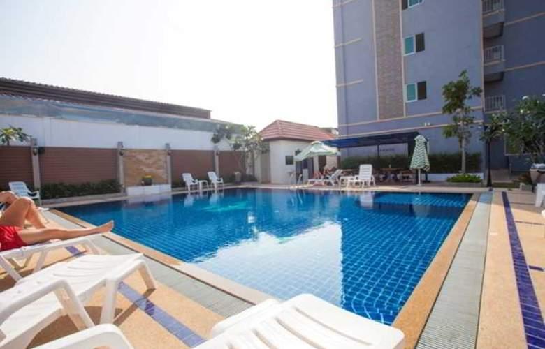 Suksabai Residence Pattaya - Pool - 54