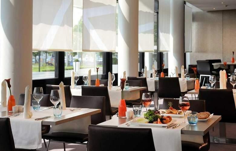 Novotel Muenchen Airport - Restaurant - 74