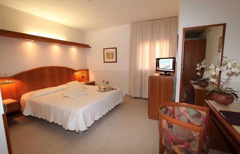 ALFA FIERA HOTEL - Room - 8