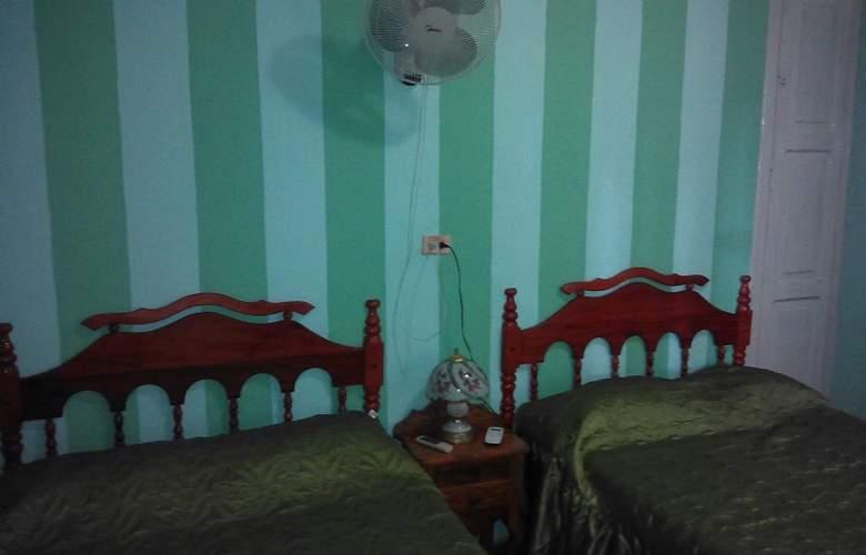 Hostal La Cucaña - Room - 10