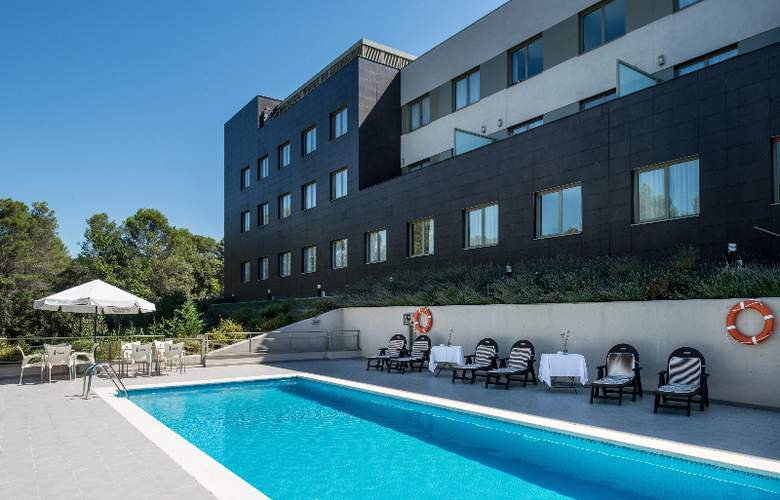 Bluebay City Barcelona Sant Cugat - Pool - 2