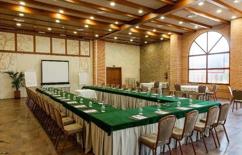 Comendador - Conference - 30