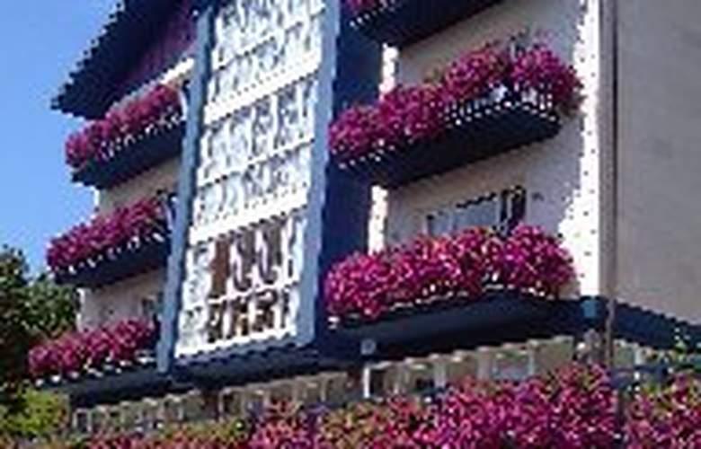 Apartamentos Mundaka - Hotel - 0