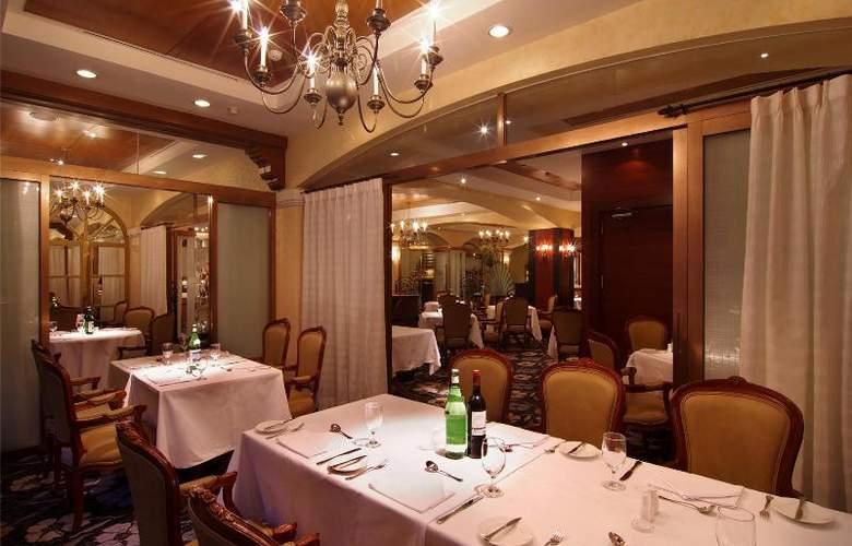 The Riviera Hotel - Restaurant - 24