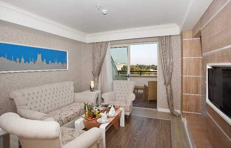 Crystal Sunset Luxury Resort & Spa - Room - 13