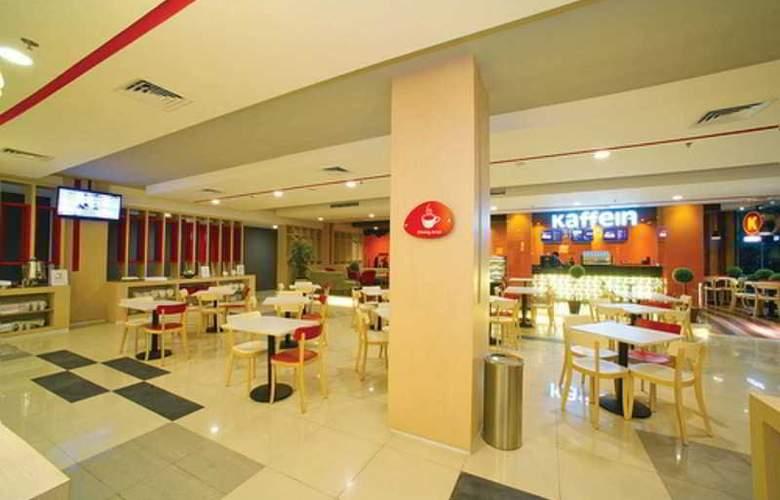 BnB Kelapa Gading - Restaurant - 3