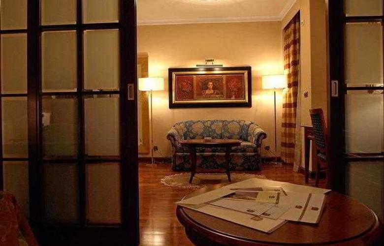 Best Western Premier Astoria - Hotel - 11